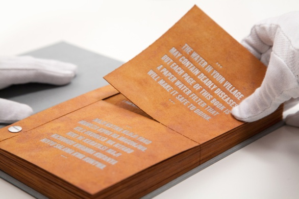 drinkable-book-filters-water-designboom01